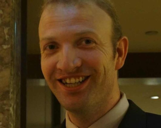 Dr. Lars Riedemann